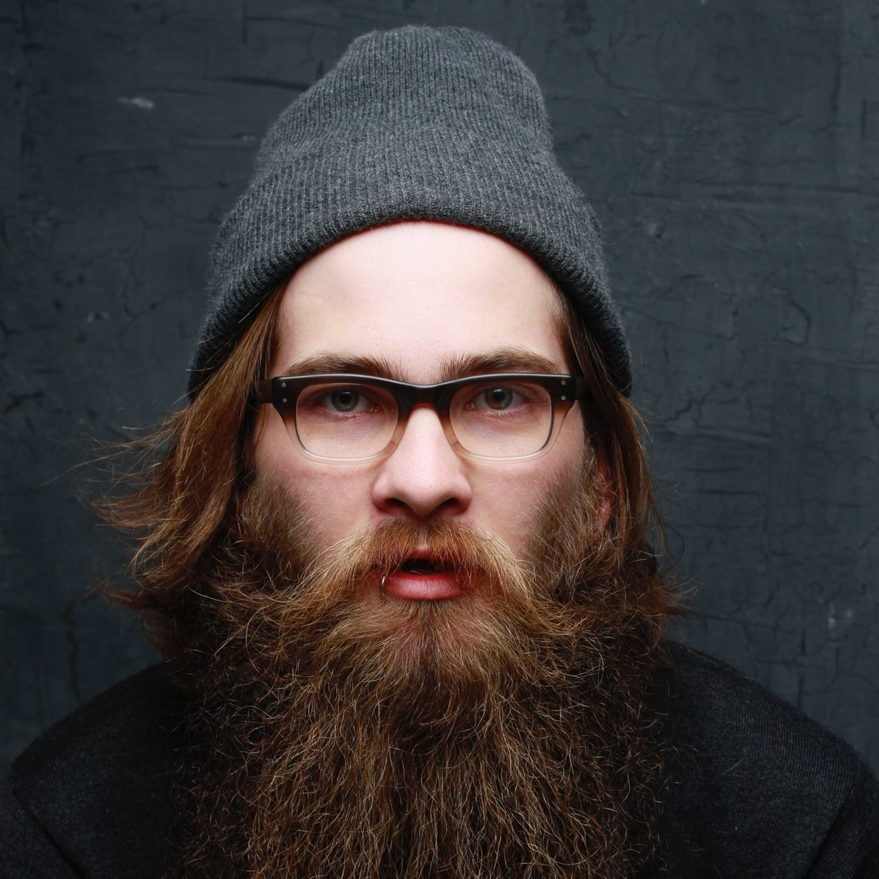 cropped-beanie-bonnet-eyeglasses-3031394-2.jpg